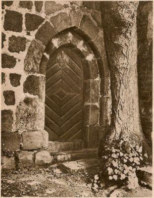 Portal w kościele, Ziemomyśl